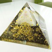 ピラミッドオルゴナイト盛り塩 青山礼子